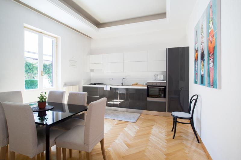 Modern Apartment near Colosseum with Terrace - Catullo - Image 1 - Rome - rentals
