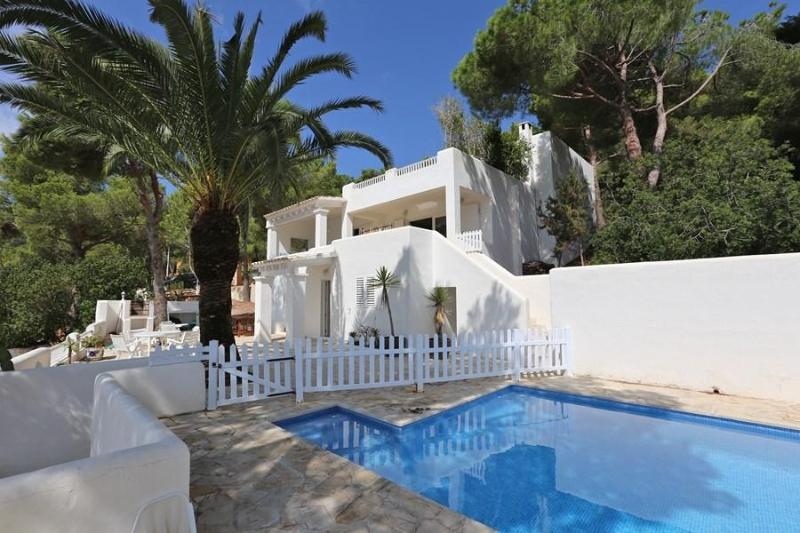 3 bedroom Villa in Es Cubells, Ibiza : ref 2135566 - Image 1 - Es Cubells - rentals