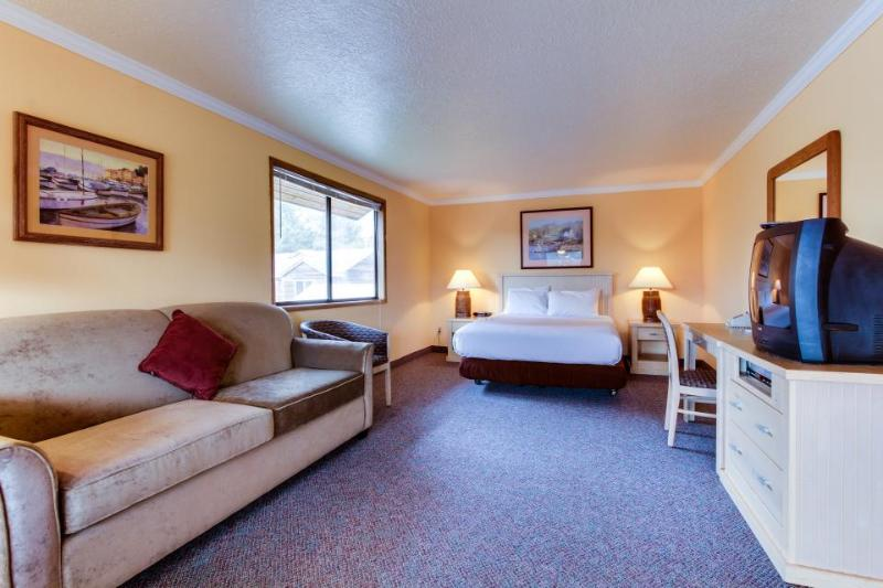 Sunset: Twilight Suite (#257) - Image 1 - Cannon Beach - rentals