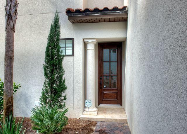 Beautiful 4b/4b Villa Lago Home Available with Golf Cart!! - Image 1 - Sandestin - rentals
