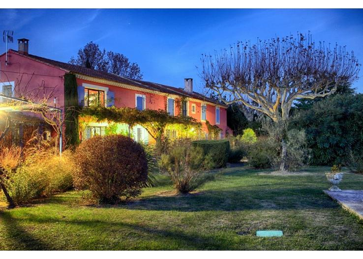 Mas Des Loones, Pet-Friendly St Remy Rental with Pool and Fireplace - Image 1 - Saint-Remy-de-Provence - rentals