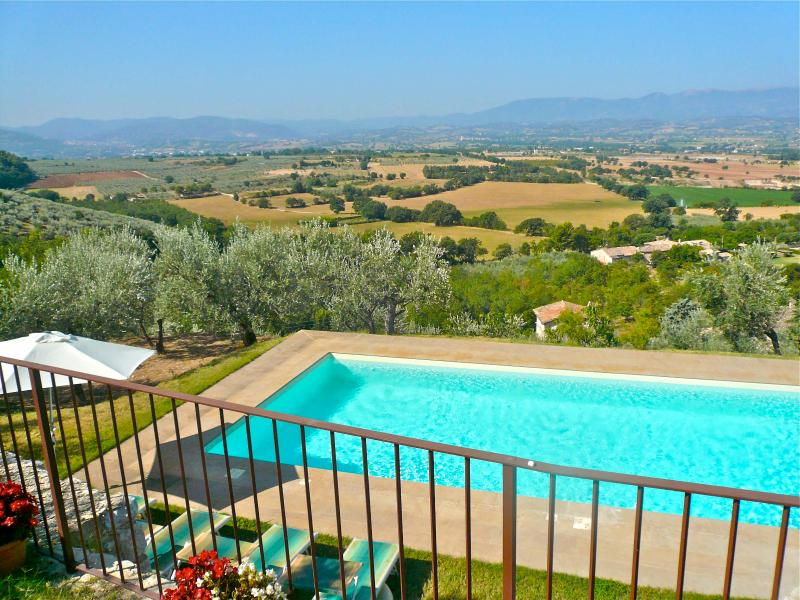 View from the terrace - Enjoy panoramic views from this 16th century house with private pool. - Lenano - rentals