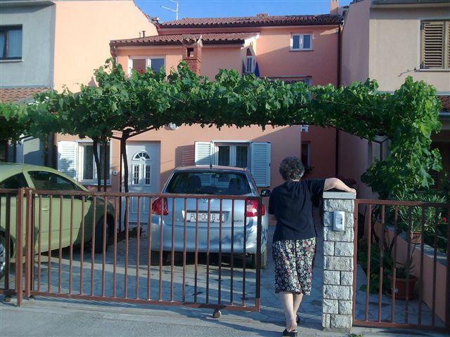 main entrance - APARTMAN JOSIPA VERUDA PORAT PULA - Pula - rentals