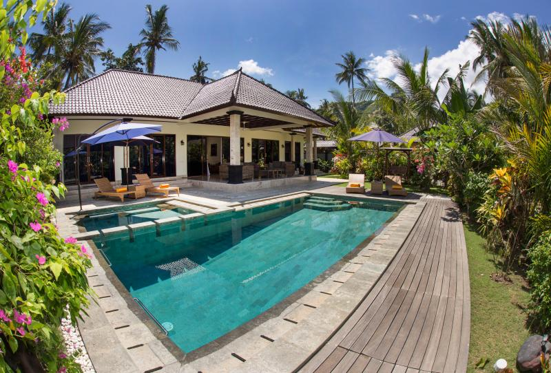 "Three-Bedroom Villa with a Private Pool - Villa Barong ""Big Barong"" - Candidasa - rentals"