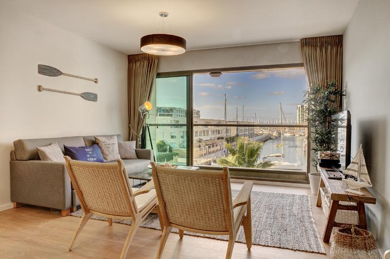 LUXURY 5* apt. 50m from the beach! - Image 1 - Herzlia - rentals
