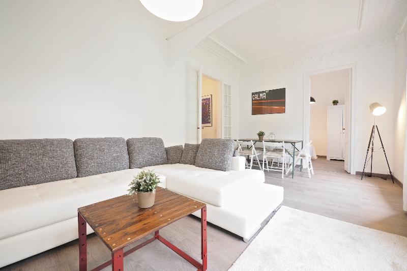 White Flat A21 - Image 1 - Barcelona - rentals