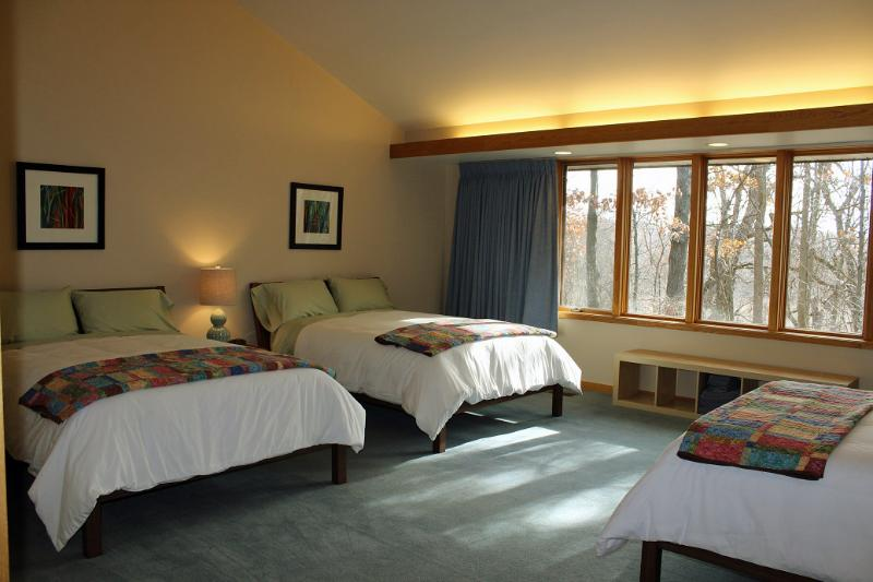 Spacious guest rooms can accommodate up to 3 adult guests, each in their own full sized bed. - Guest Rooms at Woodland Ridge - Downsville - rentals
