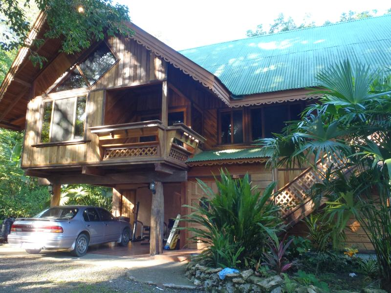 Casa Tranquilo, Bordon, Cahuita - Casa Tranquilo-Beautiful Wood House Jungle Setting - Cahuita - rentals