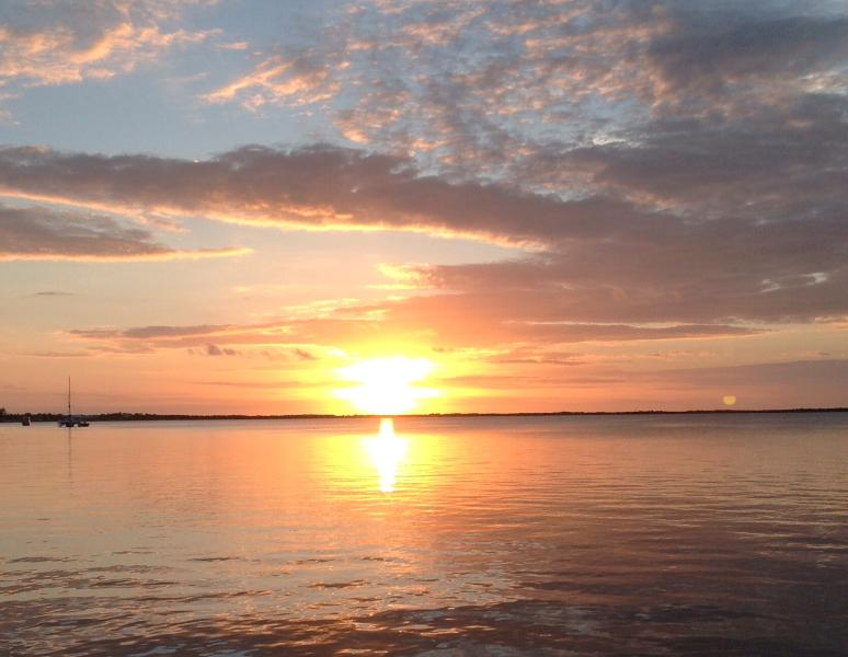 Sun set and moon rise over Florida Bay - Moon Bay Condo, Boat Slip & Aw-Inspiring Sunsets - Key Largo - rentals