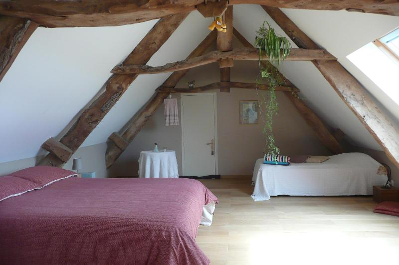 Room 2/5 - CHAMBRE D'HOTE, B & B at the Farm in NORMANDY - Carentan - rentals