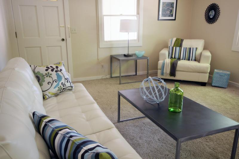 Stylish Cozy Casa in Downtown Paso Robles  2B / 2B - Image 1 - Paso Robles - rentals