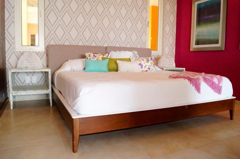 King Size Bed - v7 Luxury Condo Romantic Zone PV206 - Puerto Vallarta - rentals