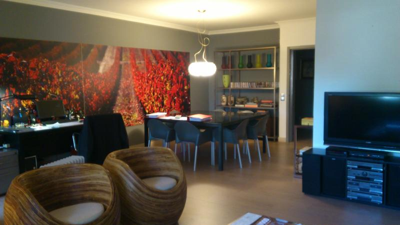 View of Living area (1) - Cascais Spacious 3 Bedroom Apartment near the Beach - Cascais - rentals