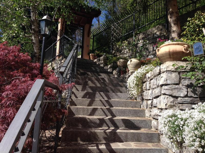 Villa Gisette Garden Entry - HONEYMOON HAVEN - Villa Gisette - Spectacular View - Como - rentals