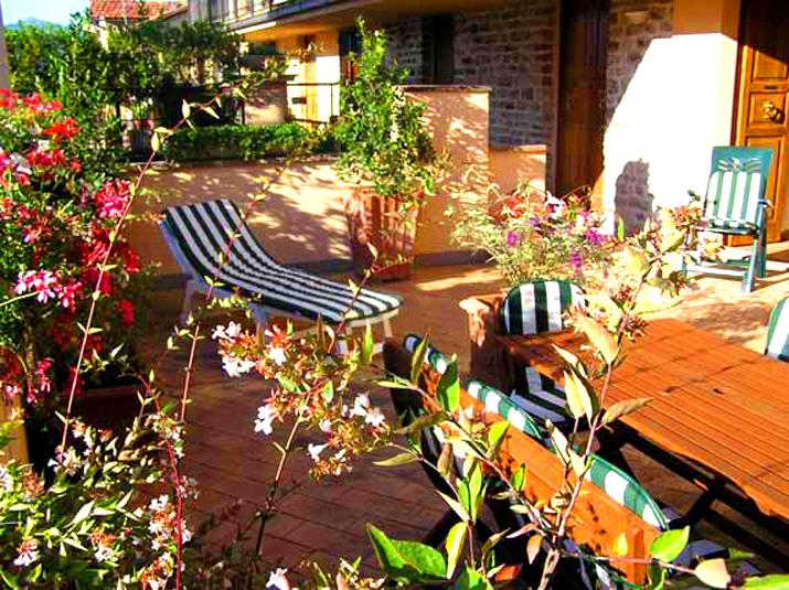 Terrace with pretty hill views - Terrazza Bella. Car NOT necessary. Rome 1 hr 10 mn - Spoleto - rentals