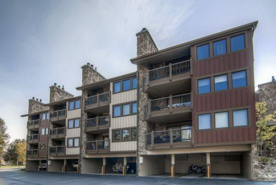 Park Place vacation condo offers ski-in ski-out access to Snowflake Ski Lif. - Park Place E103 - Breckenridge - rentals