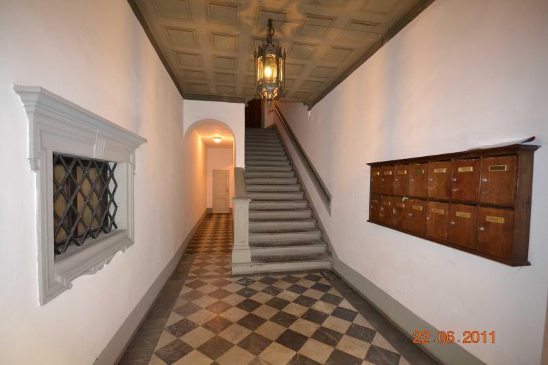 Elegant 1 Bedroom Apartment at Affresco in Florence - Image 1 - Florence - rentals