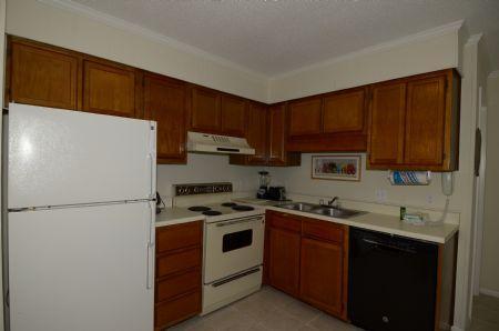 Kitchen w/ New Dishwasher! - C-22 Hilton Head Beach and Tennis - Hilton Head - rentals