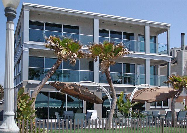 Spectacular oceanview retreat- unobstructed view, full kitchen, plasma TVs - Image 1 - Pacific Beach - rentals