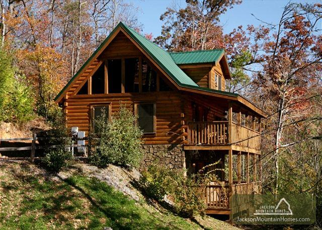Highpoint Escape  Mountain Views Hot Tub Pool Access WiFi  Free Nights - Image 1 - Gatlinburg - rentals