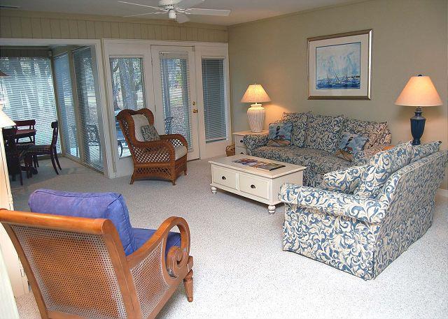 Guest Bedroom - 89 Fairway Lane - Cute 2 Bedroom Villa - 5 minute Walk to Beach! - Hilton Head - rentals