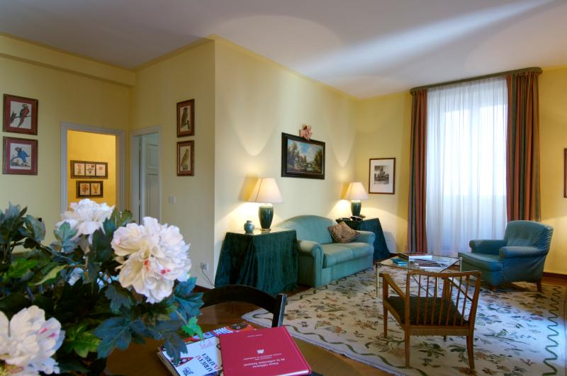 Apartment Center Florence - Palazzo Belle Donne - La Gioconda - Image 1 - Florence - rentals