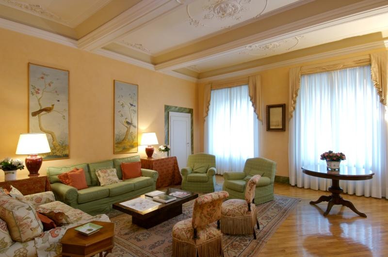 Apartment Accommodation Florence - Piazza Antinori - Coppelia - Image 1 - Florence - rentals