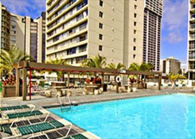 Island Colony 915-Budget Friendly with Pool View! - Image 1 - Honolulu - rentals