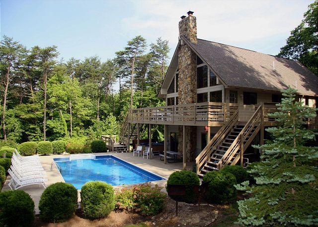 Pool - Fireside Lodge | Hocking Hills - Logan - rentals