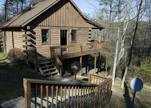 Hocking Hills Cabin with Indoor Jacuzzi - Image 1 - Logan - rentals