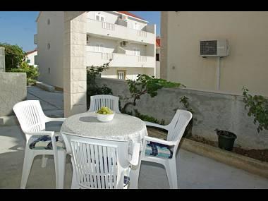 A3(4): garden terrace - Pasalic A3(4) - Bol - Bol - rentals