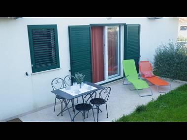 A1(4): garden terrace - 2431 A1(4) - Milna (Brac) - Milna (Brac) - rentals