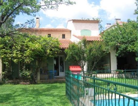 Holiday rental Villas Aix En Provence (Bouches-du-Rhône), 180 m², 2 000 € - Image 1 - Aix-en-Provence - rentals