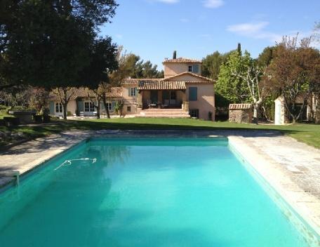Holiday rental French farmhouses / Country houses Aix En Provence (Bouches-du-Rhône), 350 m², 6 500 € - Image 1 - Aix-en-Provence - rentals