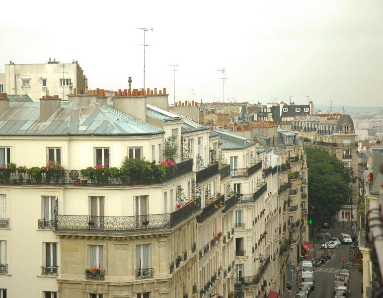 View from the balcony 1 - Sunny top floor flat with balcony - Paris - rentals
