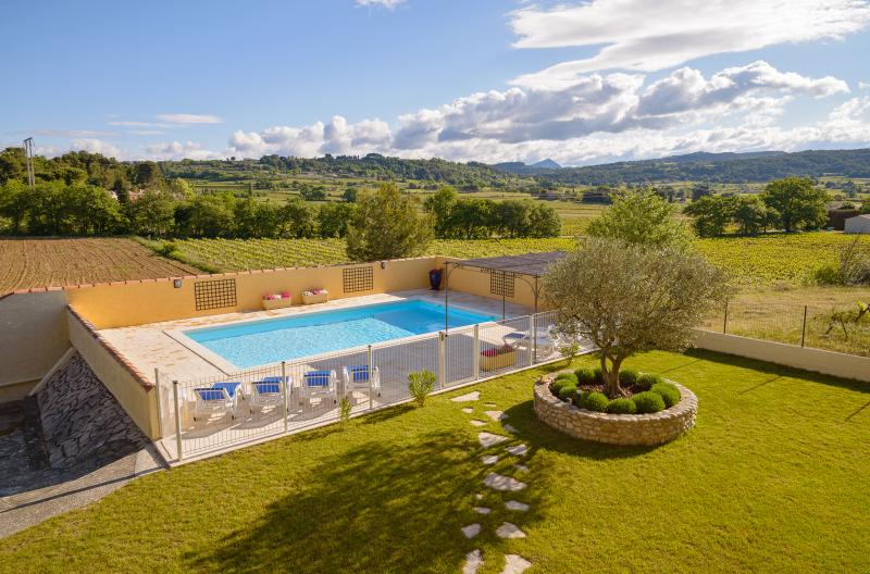 Le Clos des Pins, Villedieu, Vaison - Beautiful 4 Bedroom 4 bathroom Villa - Image 1 - Vaison-la-Romaine - rentals