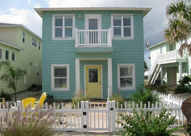 Coastal Cottage - Beautiful 3 bedroom 3 1/2 bath in the gated Villagewalk community - Port Aransas - rentals