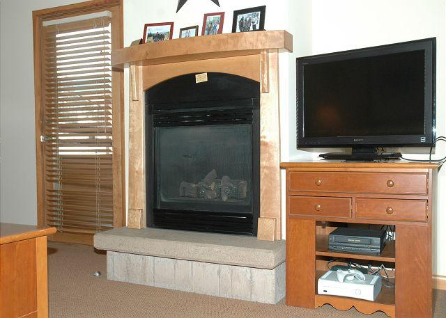 Living Room w/Gas Fire Place & TV w/Xbox 360 - The Ultimate Ski-in, Ski-out experience at Winter Park - Winter Park - rentals