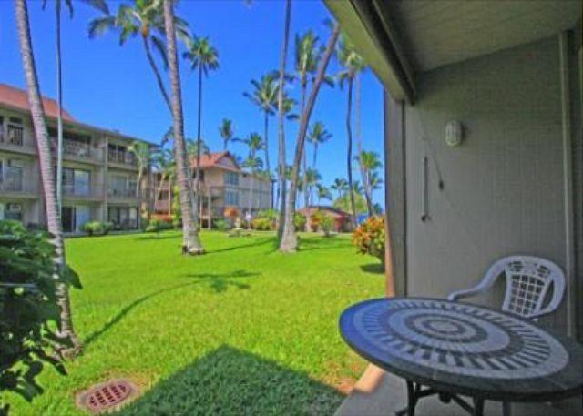 Kona Isle B5 Well Kept Ground floor condo in Ocean Front Complex - Image 1 - Kailua-Kona - rentals