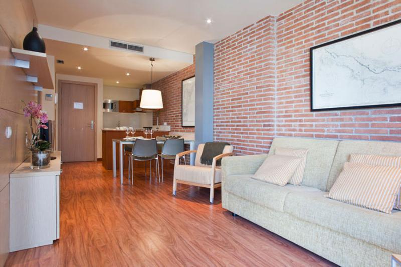 Arc de Triomf 10 Apartment - Image 1 - Barcelona - rentals
