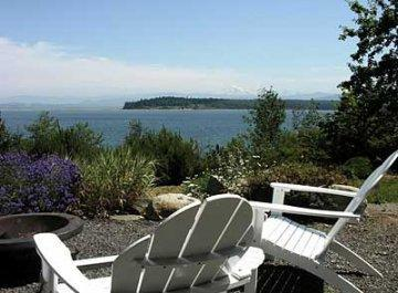 Picture yourselves here - Boutique Oceanfront . Landscaped Grounds. Hot Tub! - Lummi Island - rentals