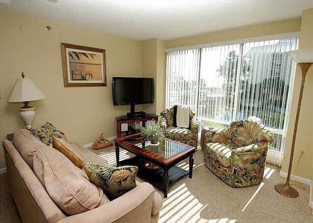 1205 Villamare - Pretty 2nd Floor Villa overlooking the pool to the ocean. - Image 1 - Hilton Head - rentals
