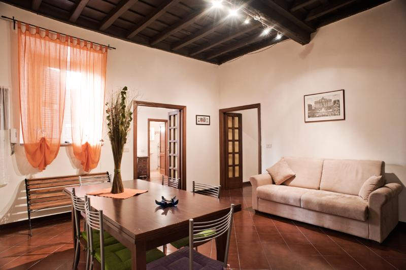 Apartment for Family near the Trevi Fountain - Colonna 1 - Image 1 - British Virgin Islands - rentals