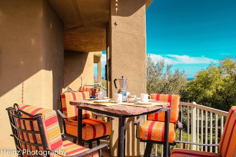 Deck with mountain views.  Watch tennis while having breakfast! - 3 bedroom villa at Copperwynd, 10 mins from Mayo. - Fountain Hills - rentals