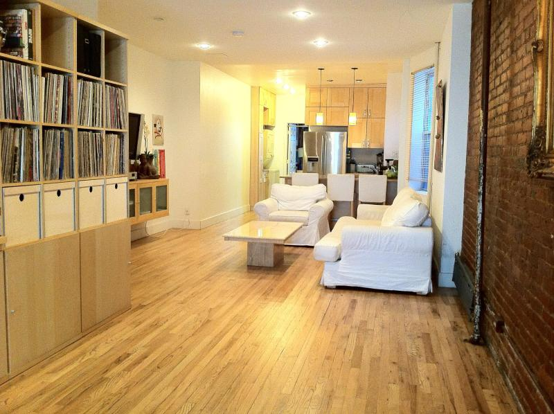 Main living area - Chelsea/Manhattan Spacious  Modern 2br Apt - New York City - rentals