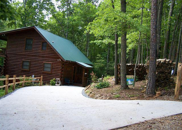 Entrance - Edelweiss at Cherry Log is a Great family cabin. - Cherry Log - rentals