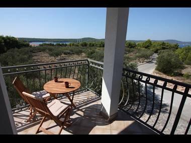 A1(2+2): balcony - 4393 A1(2+2) - Milna (Brac) - Milna (Brac) - rentals