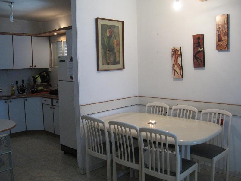 3 R apartment near the sea in center of Netanya - Image 1 - Netanya - rentals