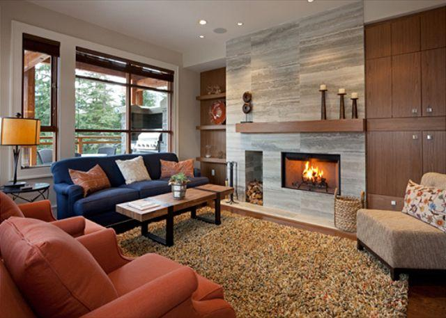 Spacious Living Area with Wood Burning Fireplace - Fitzsimmons Walk 3 | Whistler Platinum | Luxury Townhome, Private Hot Tub - Whistler - rentals