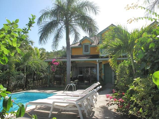 Mojito... Orient Bay, St Martin 800 480 8555 - MOJITO...  charming, affordable villa just 2 easy blocks from Orient Beach, private pool, 2 couples or small family - Orient Bay - rentals